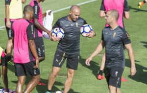 Paco J�mez durante un entrenamiento con el Granada