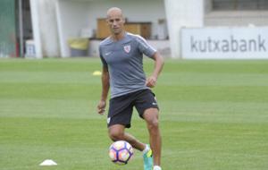 Mikel Rico en un entrenamiento con el Atheltic