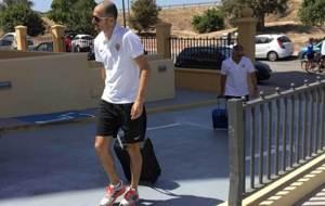 Fernando Soriano entrando en el hotel de concentraci�n