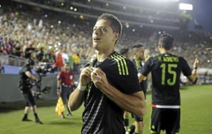 Chicharito, celebrando un gol con M�xico.