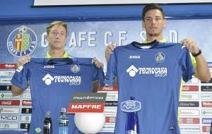 Facundo y Anton, durante su presentaci�n en el Coliseum Alfonso...