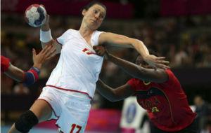Bojana Popovic, en un partido frente Angola de los Juegos de Londres...