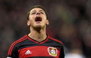 Hern�ndez grita en un partido con el Leverkusen.