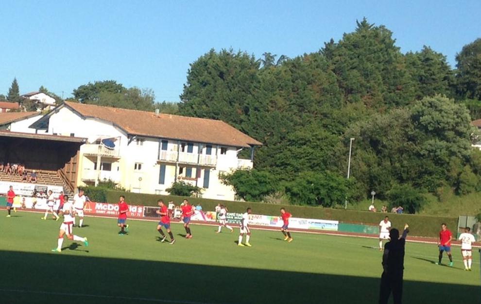 Una acción del partido entre Girondins y Osasuna.