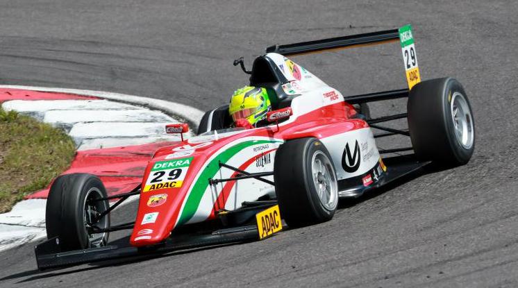 Mick Schumacher durante la carrera 1 de Nurburgring