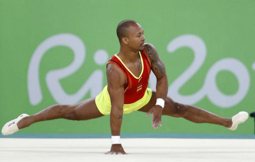 Ray Zapata, durante su ejercicio de suelo.