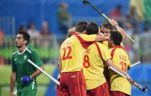 España celebrando un gol ante Brasil
