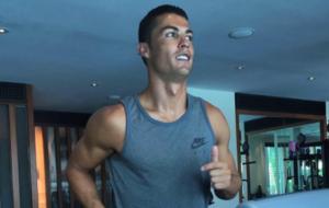Cristiano se recupera de la lesi�n de rodilla