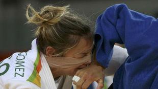 Laura Gómez durante un combate en Río de Janeiro.