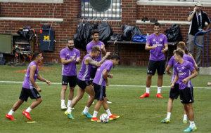 Jugadores del Real Madrid durante una sesión de entrenamiento