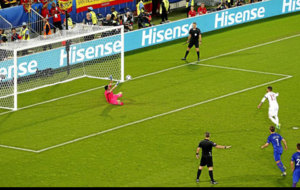El portero detuvo a Ramos un penalti en la pasada Eurocopa