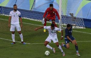 Rachid durante un partido con su selecci�n en R�o