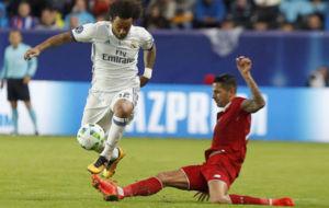 Marcelo trata de marcharse de Vitolo.