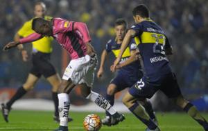 Jos� Angulo, en un partido ante Boca de la Copa Libertadores.