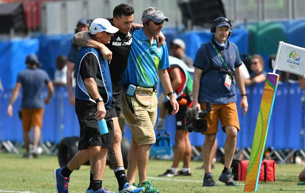 Sonny Bill Williams se marcha lesionado del Estadio Deodoro