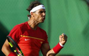 Rafa Nadal en su partido de dobles juntos a Marc López.