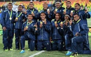 El primero oro ol�mpico de rugby acab� en el cuello de los fijianos