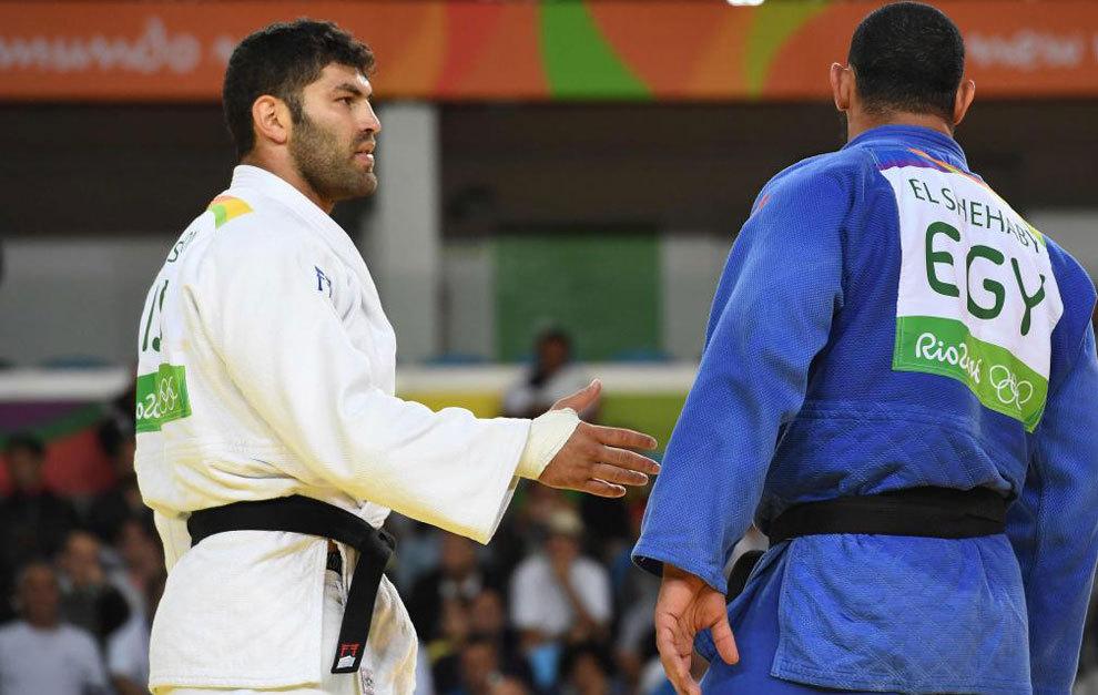 Momento en el que El Shehaby le niega el saludo a Or Sasson