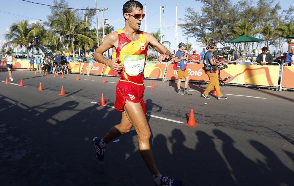 Miguel Ángel López en la prueba de 20 kilómetros marcha de los...