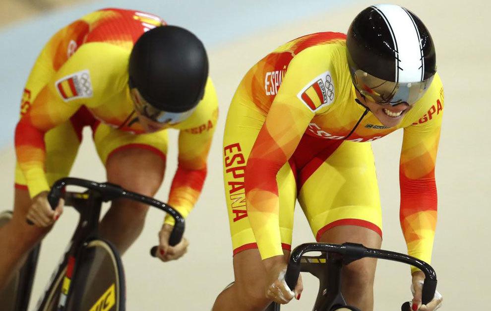 Tania Calvo y Helena Casas, en la prueba de velocidad de ayer.
