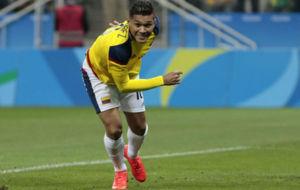 Teo Gutiérrez celebra el gol logrado contra Nigeria.