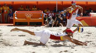 Herrera y Gavira en acción ante los brasileños Cerruti y Schmidt en...