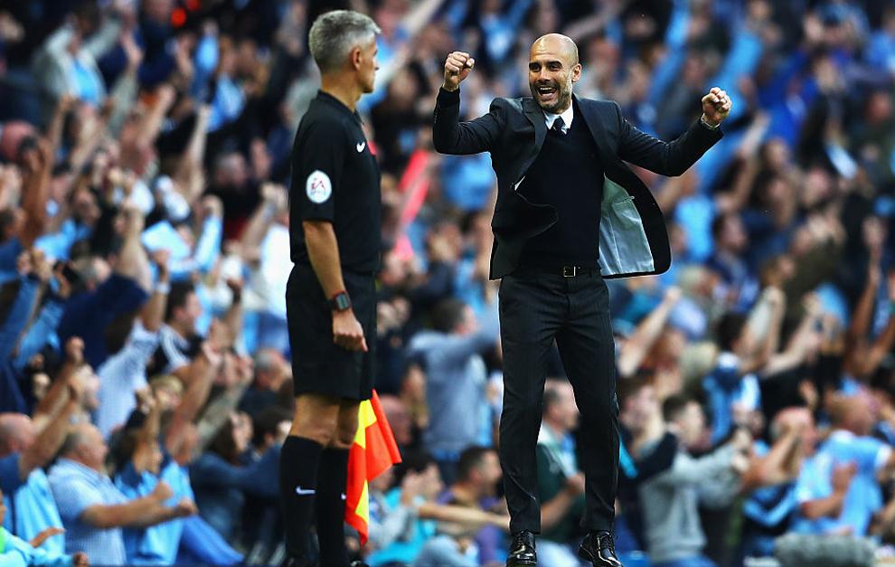Guardiola, celebrando la victoria del Manchester City ante el...