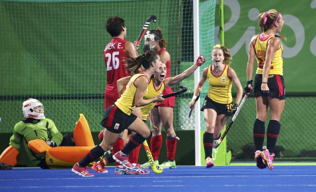 Las españolas celebrando su victoria ante Corea del Sur.