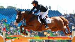 Pilar Lucrecia, saltando con Gribouille Du Lys.
