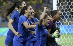 Las brasileñas celebran el triunfo frente a Australia.