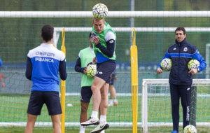 Berganti�os durante un entrenamiento con el Deportivo