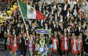 La delegaci�n mexicana desfilando en el Maracan�