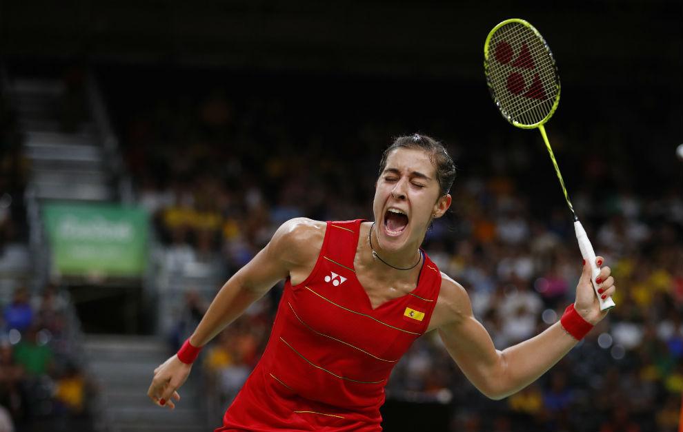 Carolina Marín celebra uno de los puntos.