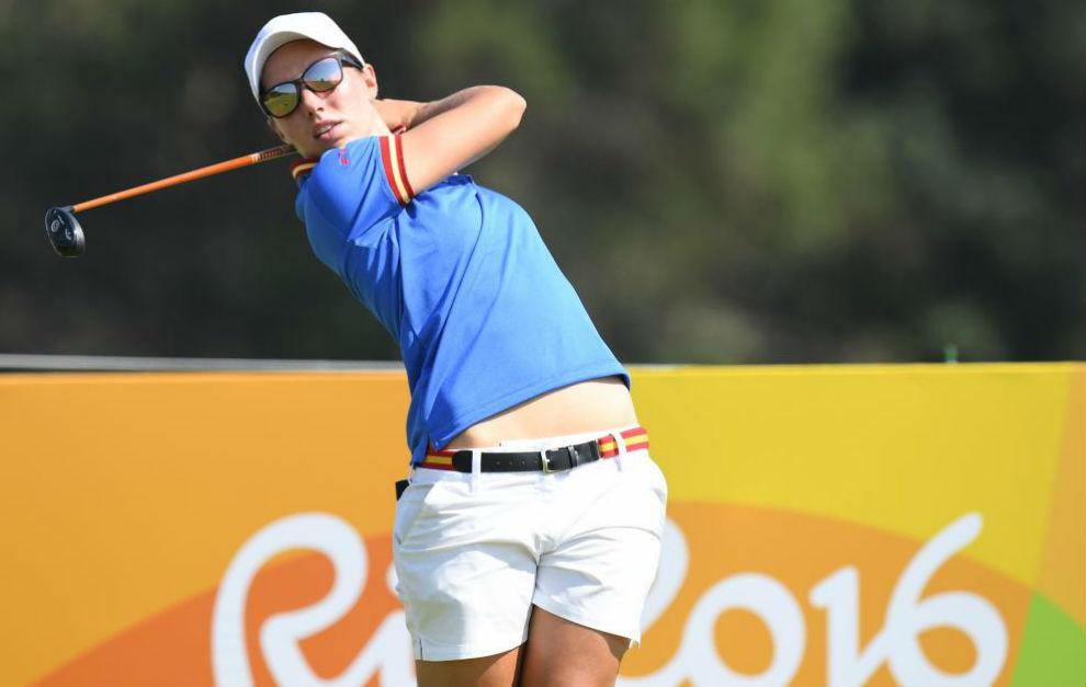 Carlota Ciganda juega un golpe de salida en Río