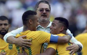 Rogério Micale festejando su pase a la final