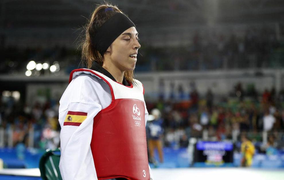 Eva Calvo con cara de decepción tras perder en la final frente a...