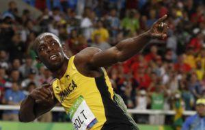 Usain Bolt celebrando en Rio 2016 su oro en 200 metros