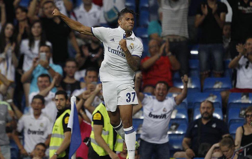 Mariano celebra con un descomunal salto el gol que marcó el pasado...