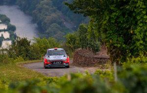 Sordo y su Hyundai en uno de los tramos del rally alem�n.
