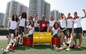 La selección femenina de baloncesto posando en Río de Janeiro