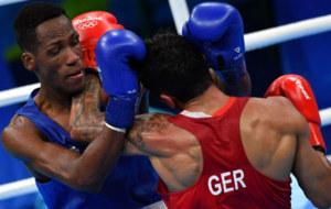 Lorenzo Sotomayor en su combate de semifinales