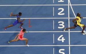 Bolt entra por última vez en una meta en unos Juegos Olímpicos