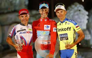 Aru, Purito y Majka en el podio final de la Vuelta 2015.