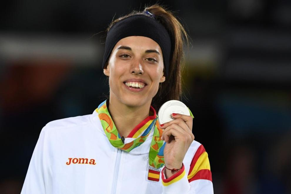 Tania Calvo posa con su medalla de plata en Río de Janeiro.