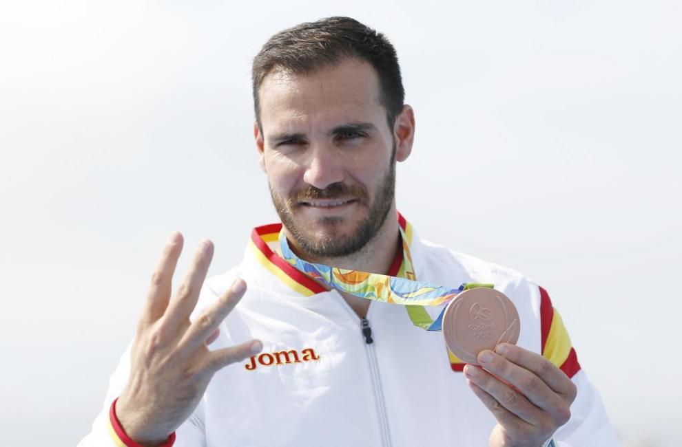 Saúl Craviotto posa con su medalla de bronce en Río de Janeiro.