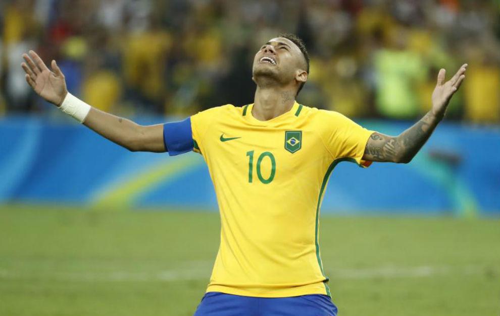 Neymar celebra el triunfo de Brasil