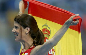 Ruth Beitia celebra su triunfo.