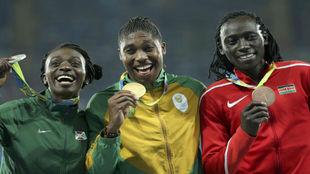 Niyonsaba, Semenya y Wambui, en el podio de Río de 800