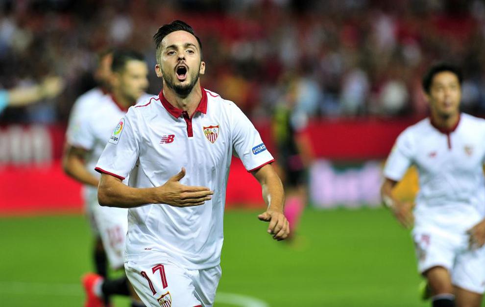Sarabia celebra su primer gol como sevillista
