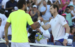 Cilic y Murray se saludan en la red